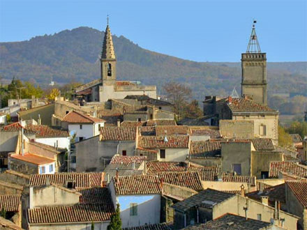 The village of the holiday rental Mas en pierre at Saint-Quentin-la-Poterie ,Gard