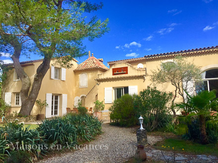 The villa of the holiday rental Villa at Orange ,Vaucluse