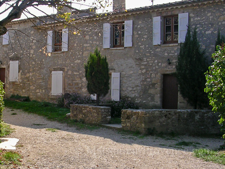 Le mas of the holiday rental Mas en pierre at Caseneuve ,Vaucluse