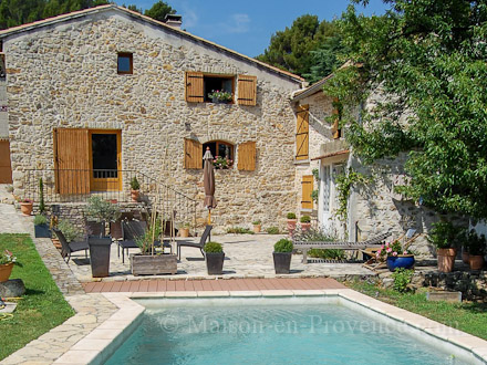 The house of the holiday rental Maison en pierre at Orsan ,Gard