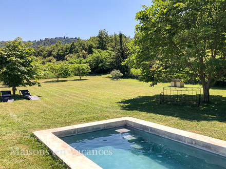 The swimming pool of the holiday rental Mas at Bonnieux ,Vaucluse