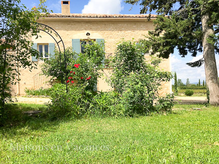 Le mas of the holiday rental Mas at Bonnieux ,Vaucluse
