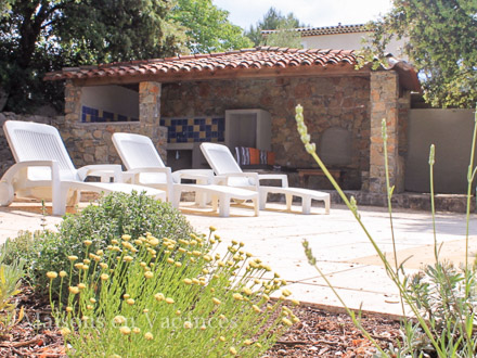 The pool-house of the holiday rental Villa at Lorgues ,Var