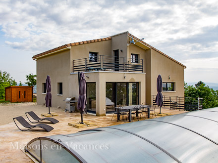 The villa of the holiday rental Villa at Saint-Julien-de-Peyrolas ,Gard