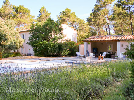 The swimming pool of the holiday rental Mas at Barbentane ,Bouches du Rhône