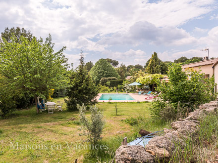 The garden of the holiday rental Villa at Rognes ,Bouches du Rhône