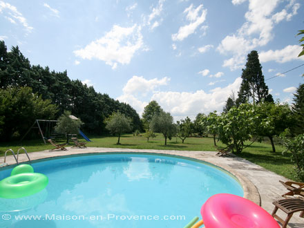 The swimming pool of the holiday rental Mas en pierre at Cavaillon ,Vaucluse