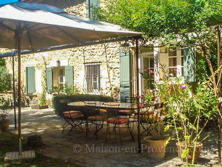 The terrace of the holiday rental Mas en pierre at Cavaillon ,Vaucluse