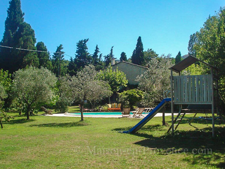 The garden of the holiday rental Mas en pierre at Cavaillon ,Vaucluse