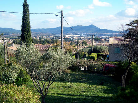 The view of the holiday rental Villa at La Farlède ,Var
