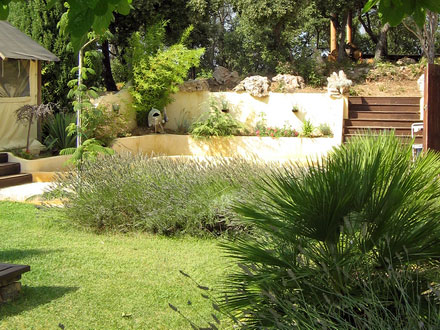The garden of the holiday rental Villa at Tourves ,Var
