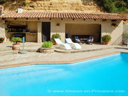 The pool-house of the holiday rental Villa at Bagnols-sur-Cèze ,Gard